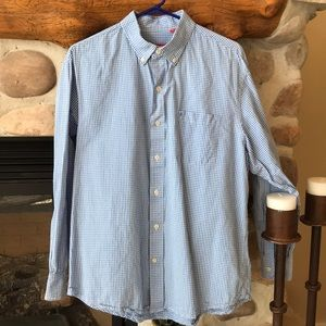 {Izod} Checkered Button Down Shirt. Size Large.